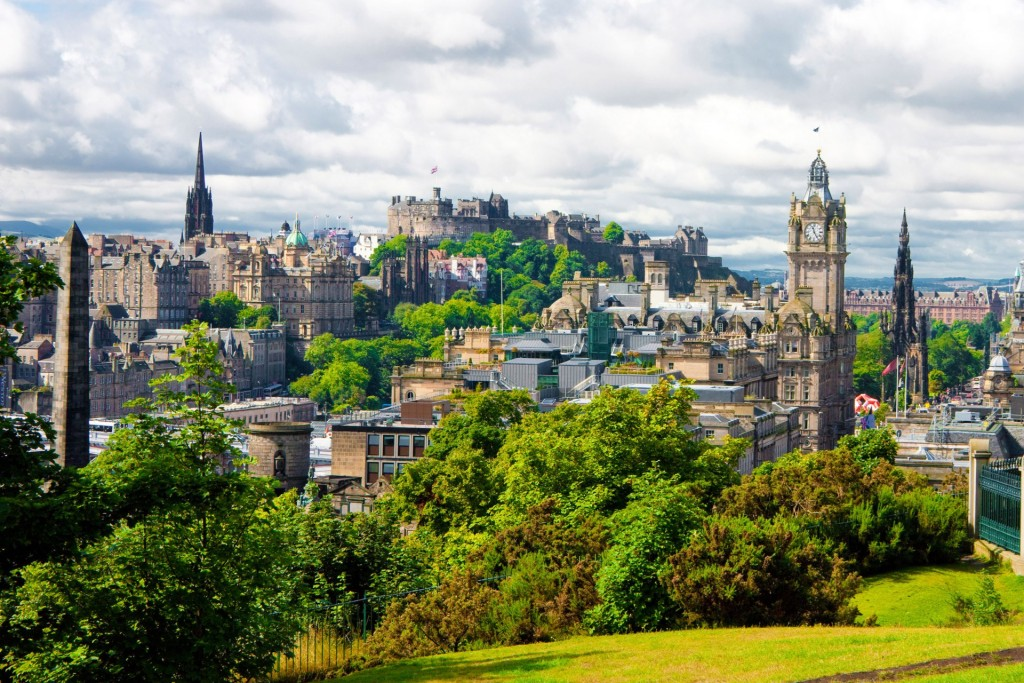 Edinburgh_view-of-edinburgh-city-scotland-conde-nast-traveller-27aug15-alamy